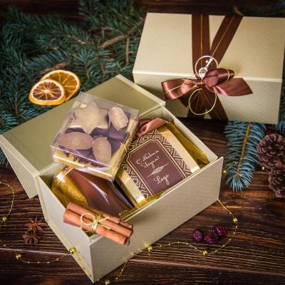 Чайный подарочный набор в золотистой упаковке Звездное притяжение