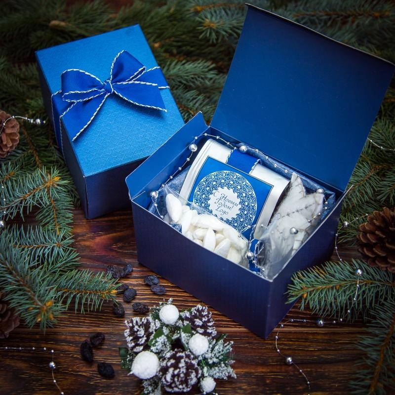 Подарочный набор в синей коробочке с нарядным бантом