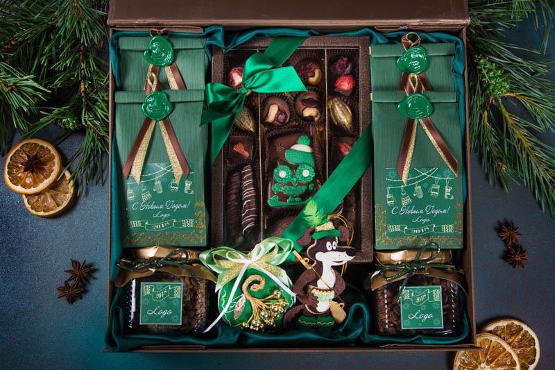 Чайно-кофейный набор в упаковке «Кофейная роскошь» из дизайнерской бумаги коричневого цвета