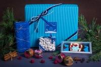 Подарочный набор в упаковке Фаворит-3 из гофры голубого цвета