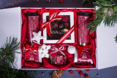 Подарочный набор в упаковке «Элегант» из дизайнерской бумаги белого цвета