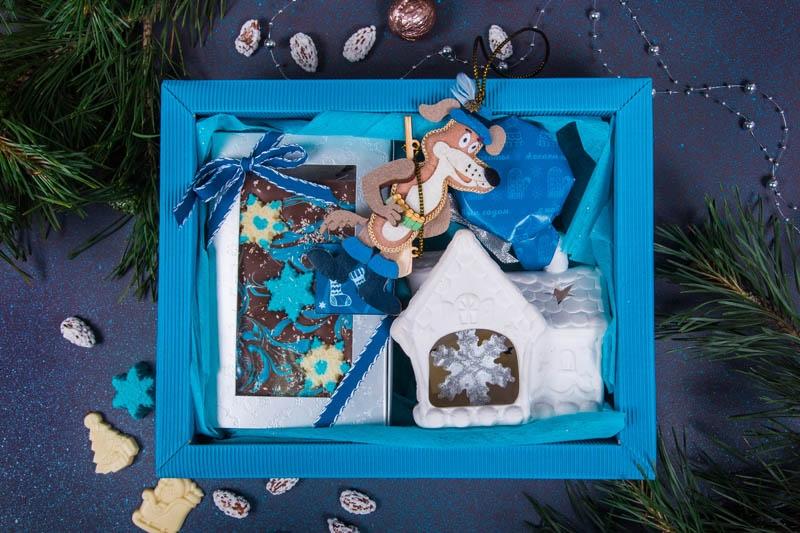 Подарочный набор в упаковке «Фаворит Blue» из гофры повышенной плотности голубого цвета