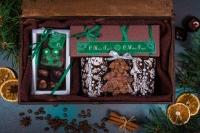 Подарочный набор в тонированной деревянной шкатулке сгравировкой логотипа