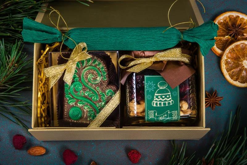 Кофейный набор в упаковке Шелковое золото-2 на магнитах из дизайнерской бумаги